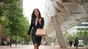 10 estilos de carteras para una mujer ejecutiva