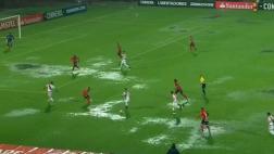 River ante Medellín se suspendió momentáneamente por lluvias