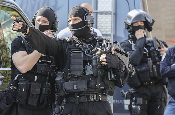 Pánico por tiroteo en escuela secundaria de Francia [FOTOS]