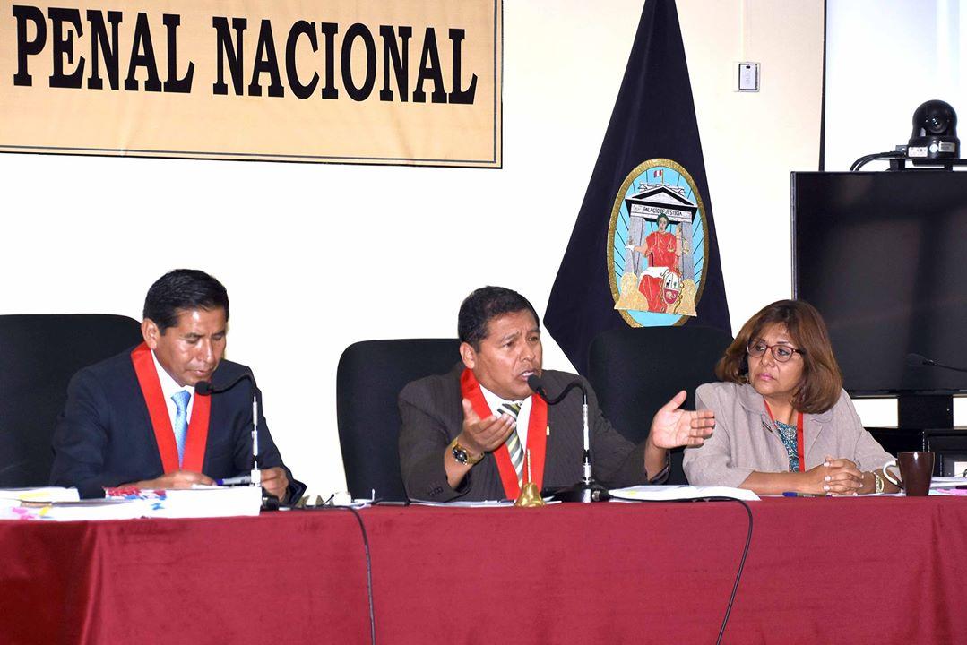 Los jueces superiores César Sahuanay, Iván Quispe y Jésica León.