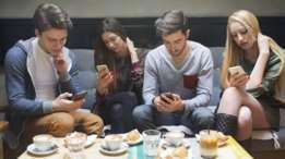 Vivimos en la era de la adicción a internet y las redes sociales. ¿Es posible desconectar? ( Foto: SRDJANPAV)