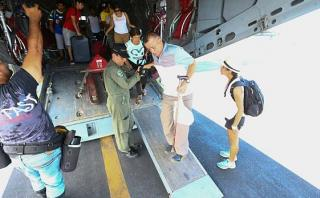 Inician puente aéreo para ayudar a afectados por lluvias