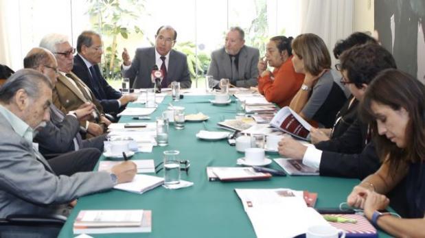 JNE expuso proyecto de reforma electoral a Consejo de la Prensa