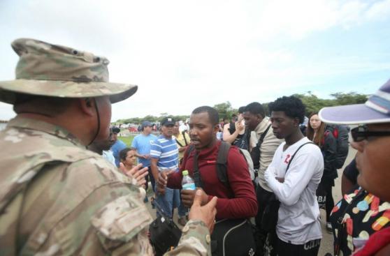 Chiclayo: cientos esperan poder viajar en aviones de la FAP