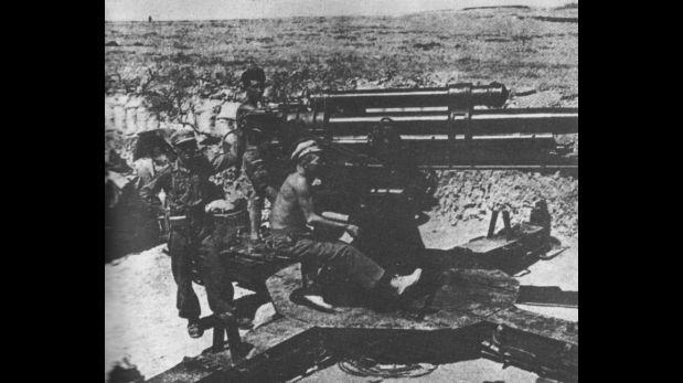 Imágenes de la batalla de Ebro. (Wikicommons)