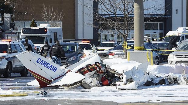 Canadá: Avionetas chocaron sobre un centro comercial