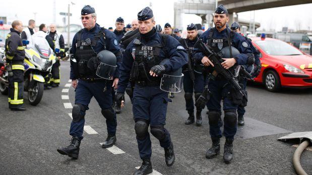 Orly y otros aeropuertos atacados en Francia [CRONOLOGÍA]