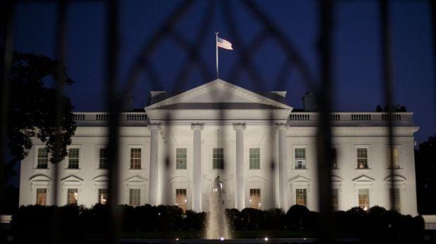 Podría ir 10 años preso por pasar 16 minutos en la Casa Blanca
