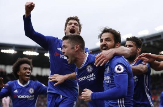 Chelsea ganó 2-1 a Stoke City y sigue de líder en la Premier