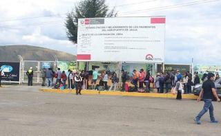 Junín: cientos hacen colas para viajar a Lima en puente aéreo