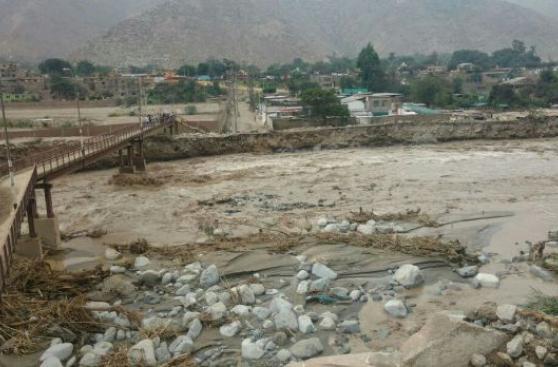 Chaclacayo: Alto Huampaní queda aislado por rotura de puente