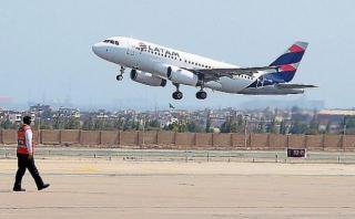 Aerolíneas comerciales trasladan damnificados gratuitamente