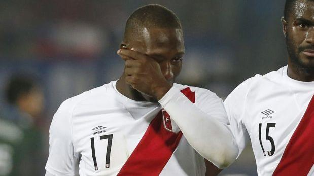 """Luis Advíncula tras confirmarse lesión: """"Me duele en el alma"""""""