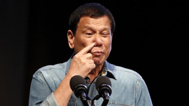"""Duterte llama """"locos"""" a sus críticos europeos"""