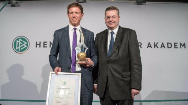 Técnico del Hoffenheim sorprendió al ganar premio en Alemania