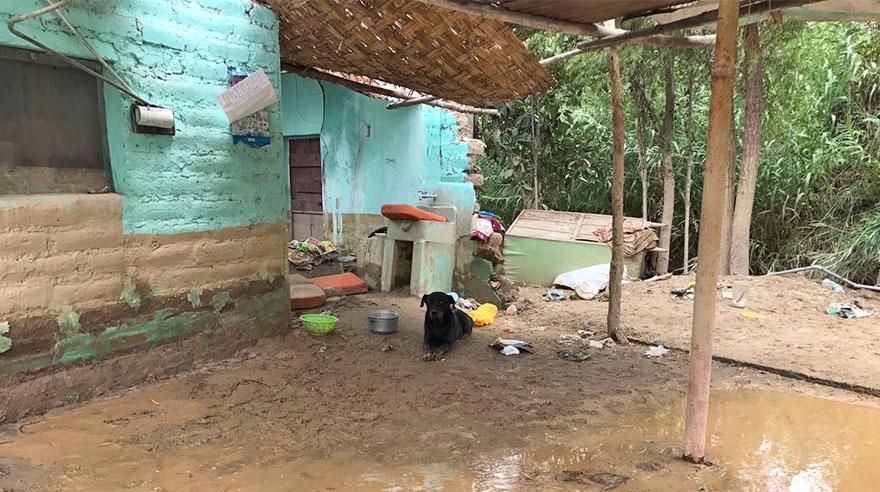La mayoría de viviendas resultaron inundadas de agua y lodo.