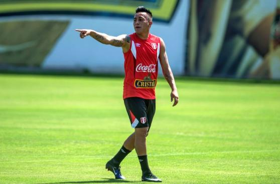 Perú con Paolo y Cueva afina puntería para vencer a Venezuela