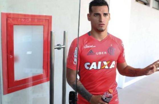 Miguel Trauco: su reemplazo buscará desplazarlo en Flamengo