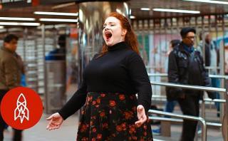 Cantantes de opera ofrecen conciertos en el Metro de Nueva York
