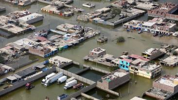 PPK sobrevoló zonas de Huarmey afectadas por huaicos [FOTOS]