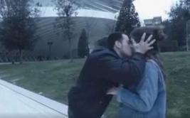 'YouTuber' irá a juicio por besar a mujeres sin consentimiento