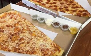 ¿Dónde sirven la porción de pizza más grande del mundo?