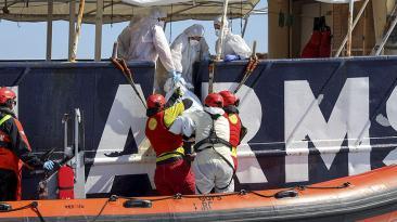 Centenas de inmigrantes habrían muerto en el mar Mediterráneo
