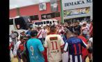 Hinchas peruanos se reunieron fuera del hotel de la selección