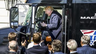 El día en fotos: Donald Trump, Obamacare, Justin Trudeau y más