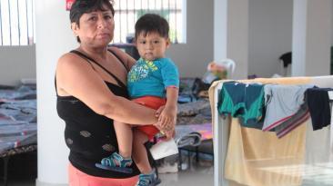 """Voz desde un refugio: """"Solo tuve tiempo para sacar a mi nieto"""""""