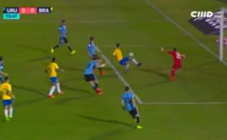 Neymar hizo una gran jugada que casi termina en gol para Brasil