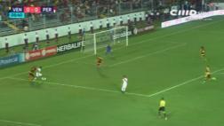 Selección: ¿Flores intentó engañar a árbitro con esta caída?