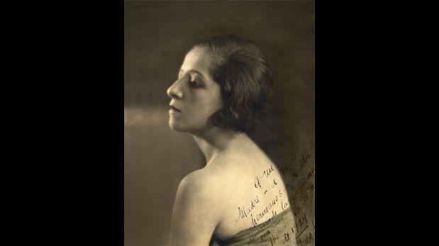 Magda Portal, 1929. Cortesía de la Biblioteca de la Universidad de Texas en Austin, Colección Latinoamericana Nettie Lee Benson.  (Trazos cortados. Poesía y rebeldía de Magda Portal)