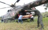 Un helicóptero MI 171 SHP de fabricación rusa de la Aviación del Ejército del Perú aterrizó esta mañana sobre cultivos inundados del centro poblado de Punguchique, en Cascas (La Libertad) con ayuda humanitaria (Foto: Johnny Aurazo/El Comercio).