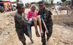 La noble labor de policías y militares en medio de la desgracia