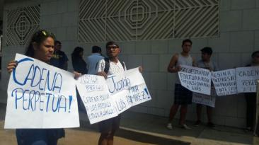 Familiares de estudiante asesinado en SJL exigen justicia