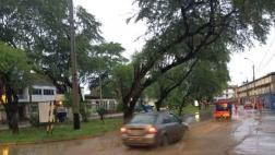 Piura: intensas lluvias vuelven a inundar principales calles