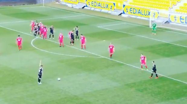 YouTube: este es el tiro libre más extraño que terminó en gol