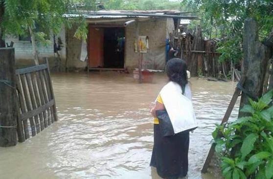 Río Piura se desborda en Morropón e inunda poblaciones aledañas