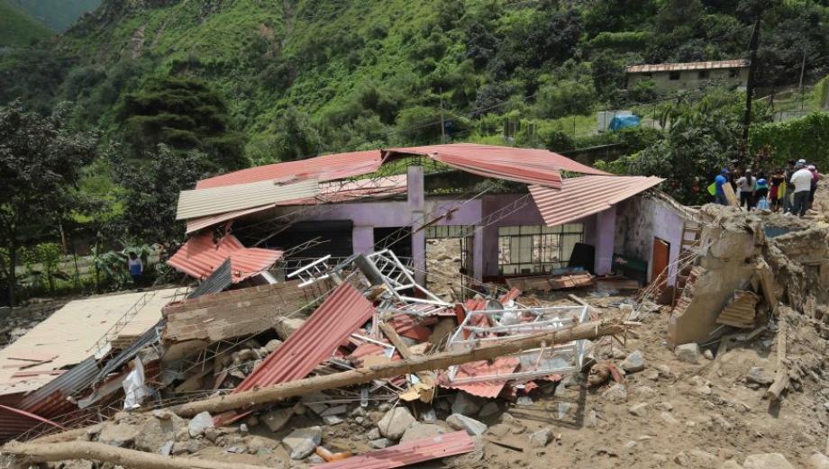 Barba Blanca: un pueblo en escombros tras el huaico