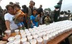 Carapongo: ministros llevaron desayuno a afectados por desborde
