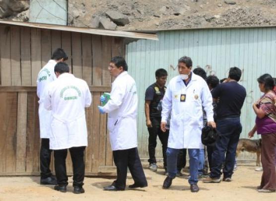 Jicamarca: matan de ocho balazos a joven policía en descampado