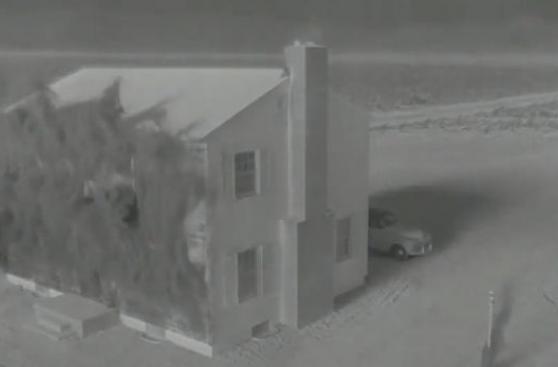 Esto pasa con una casa durante una explosión atómica