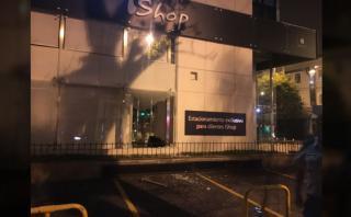 El incidente ocurrido en Miraflores es el segundo que ocurre en tiendas iShop. (Video: Ángel Hugo Pilares)