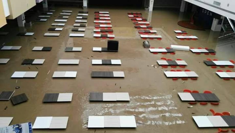Piura: calles, casas y negocios inundados por desborde