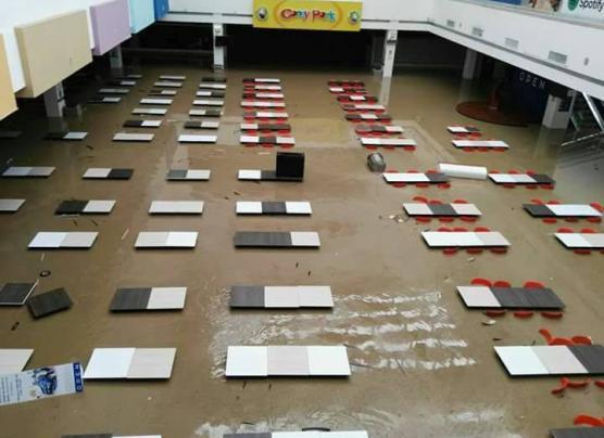 Piura: casas, calles y negocios inundados por desborde [FOTOS]