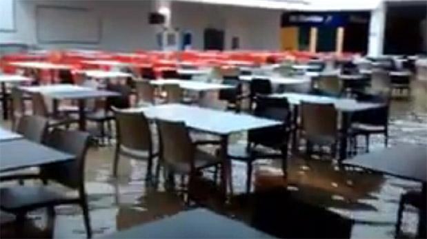Piura: Open Plaza resultó inundado y no atenderá