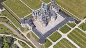 """El castillo de """"La bella y la bestia"""" visto desde Google Maps"""