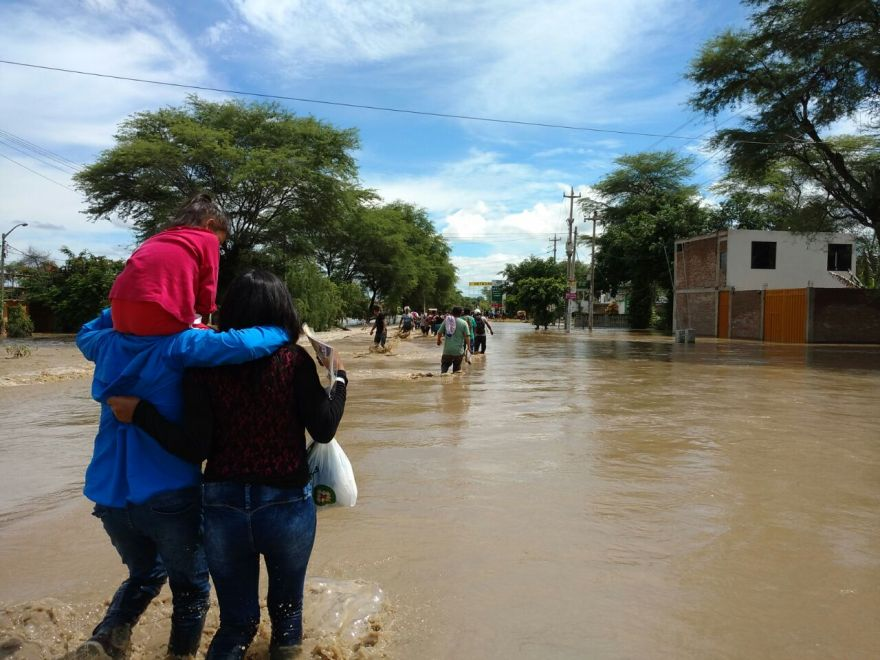 La situación en Catacaos, región Piura. (Foto: Ralph Zapata / El Comercio)