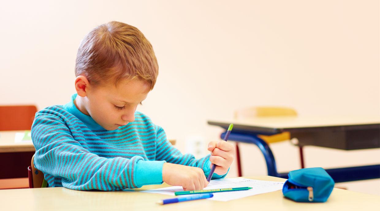 Estudio: Por qué los niños no deben estar quietos en clases